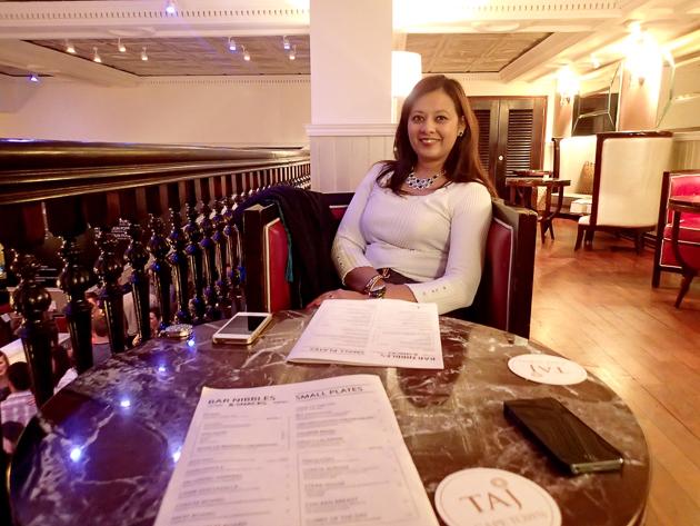 Cocktail hour at the Twankey Bar, The Taj