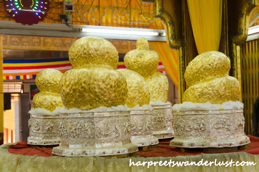 The Buddha Images that look like gold lumps