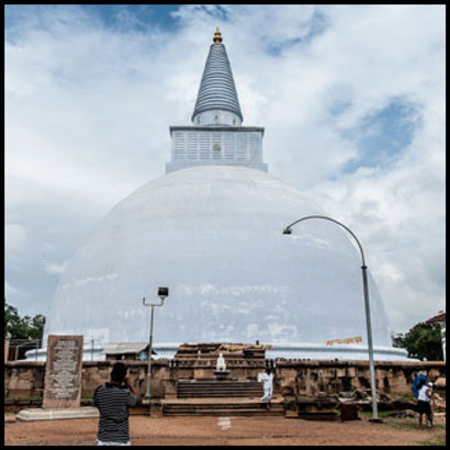 footsteps-in-the-ancient-cities-of-sri-lanka-anuradhapura-3