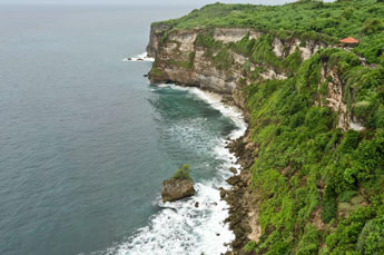 footsteps-inulu-watu-and-jimbaran-bay-2