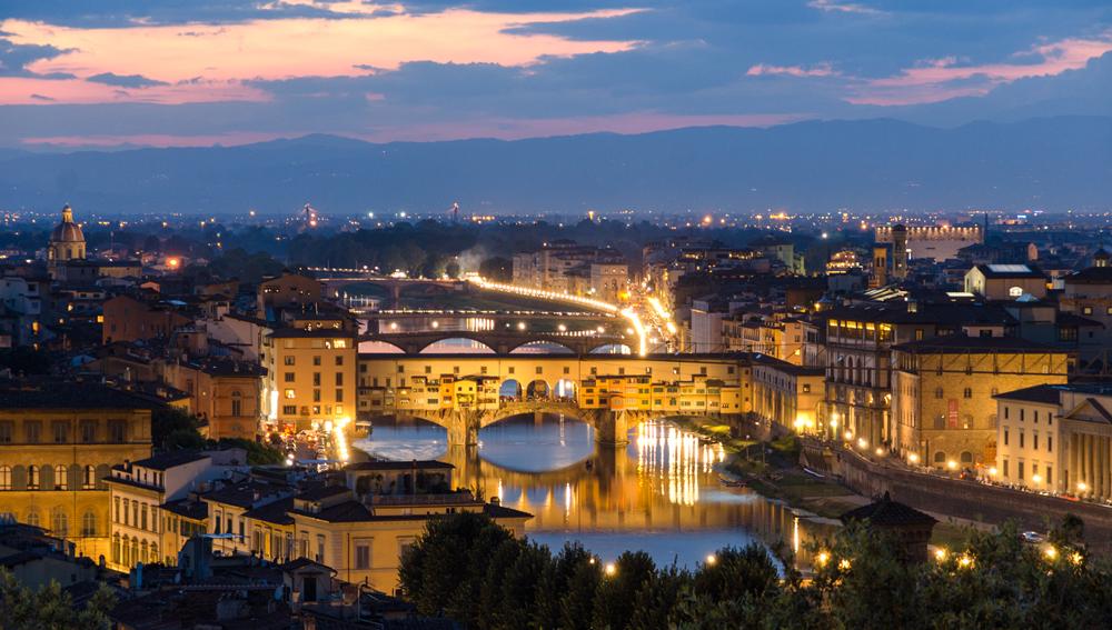 Sunset over Ponte Vecchio from Piazza del Michelangiolo