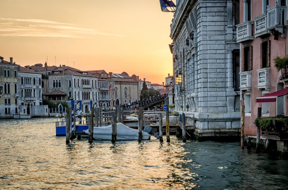 Dusk sets upon Venice