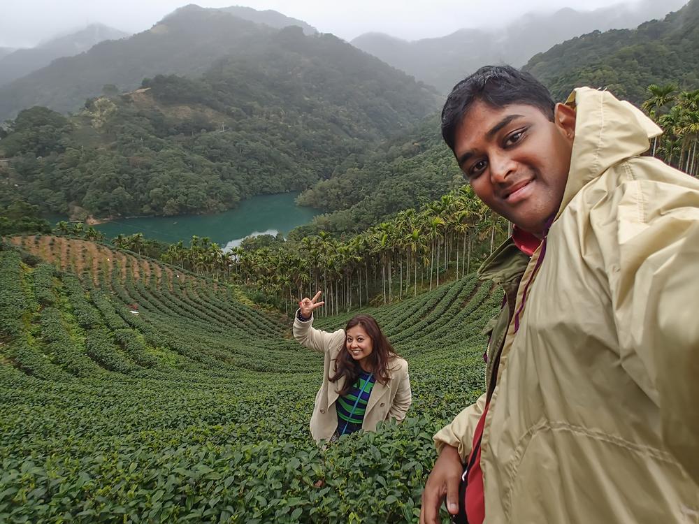 Perambulating in the tea plantations in Shiding