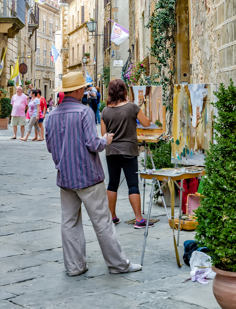 THIS is life! Art class in the streets of Montepulciano