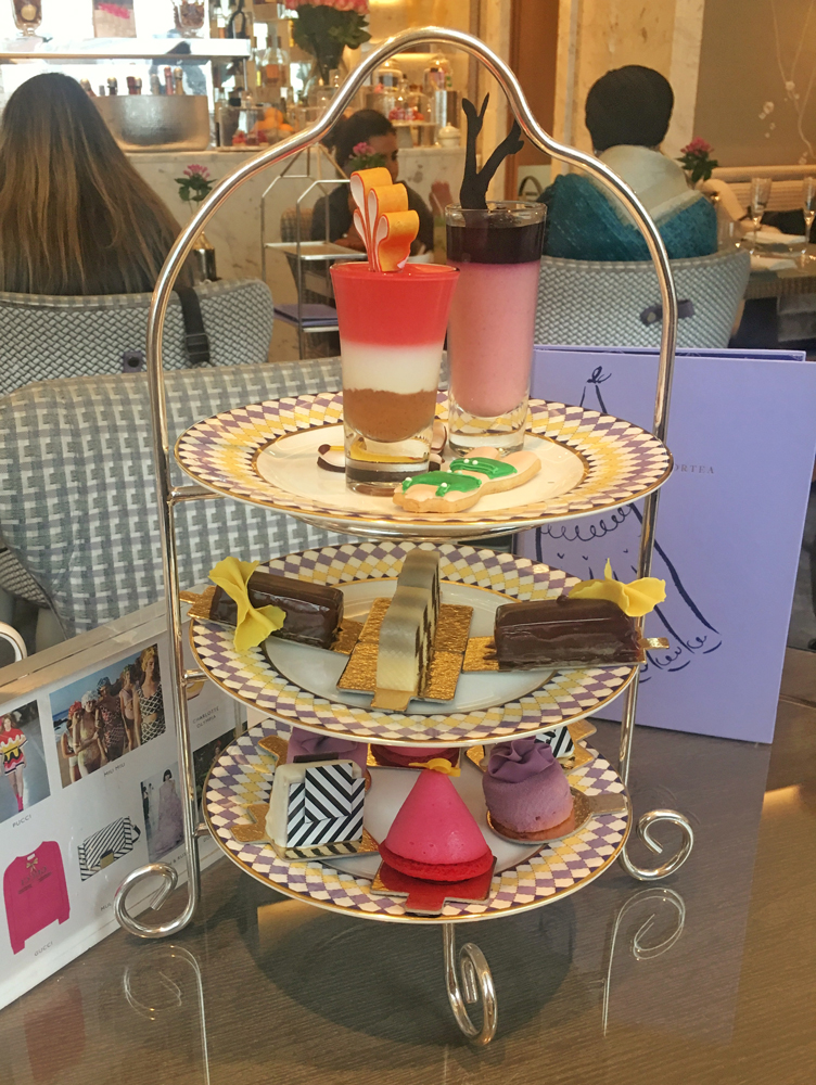 The piece de resistance: the cake stand!