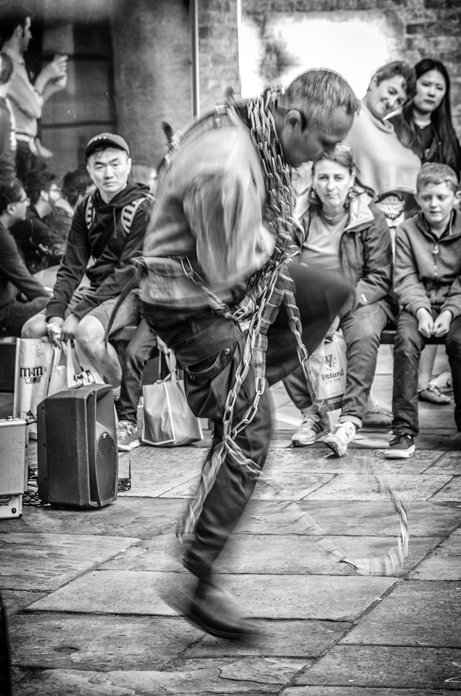 Magic tricks in Covent Garden