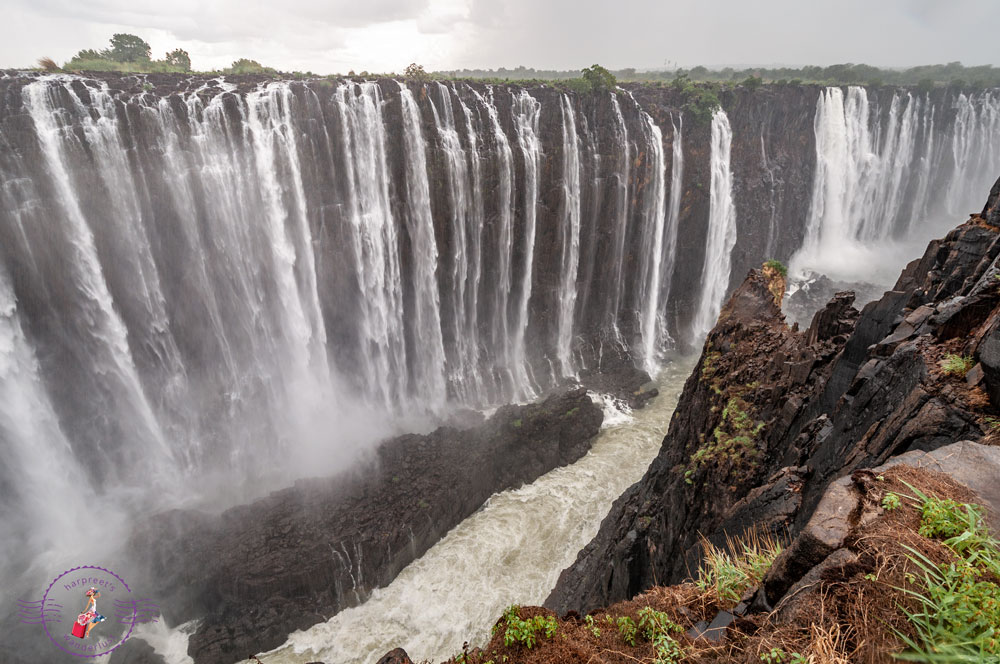 The gushing Victoria Falls, Zimbabwe